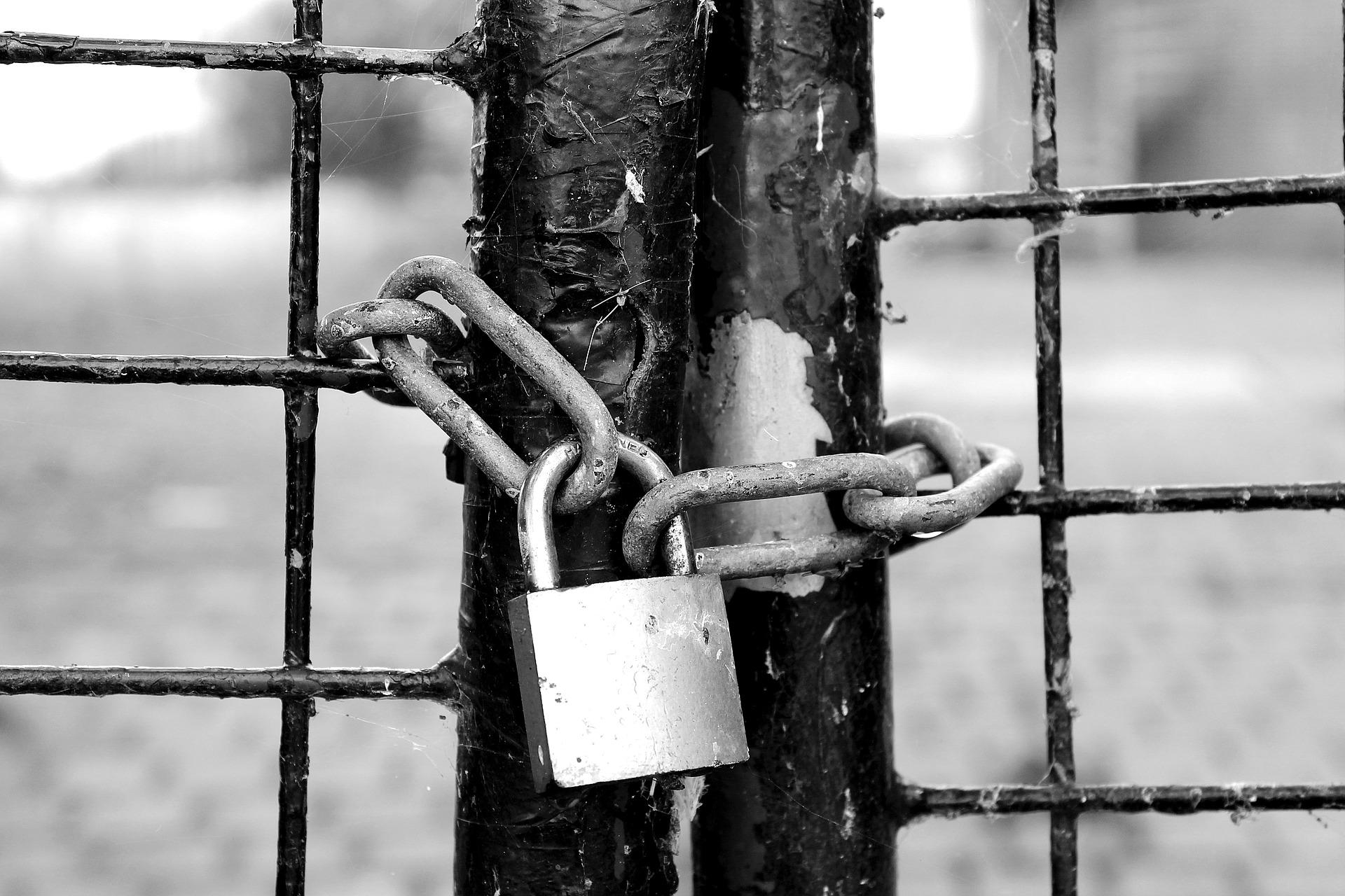 fence-1644822_1920